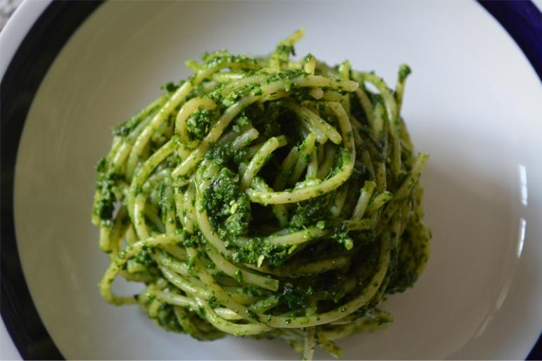 pasta-al-pesto-di-cavolo-nero-green-rebi